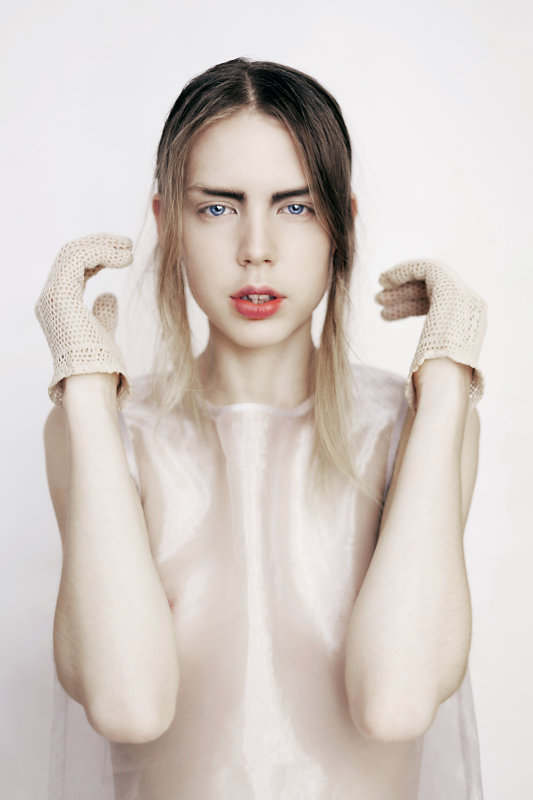 youth now featuring greta dillen photographed by sophie